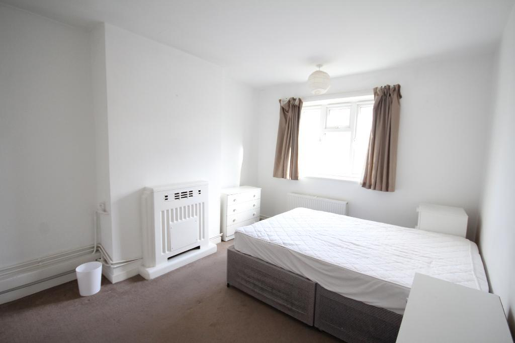 Chelsham Road, Clapham North, London, SW4 6NN